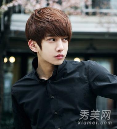韩国男生帅气齐刘海发型 短发更时尚