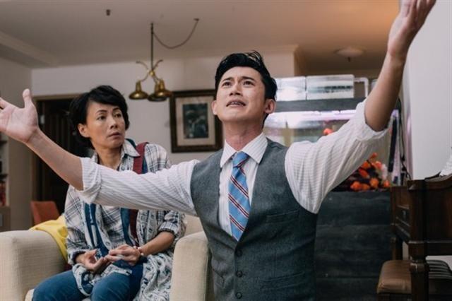 吴慷仁在《恋爱沙尘暴》中彻底翻转以往的表演方式,毫无偶包与耻度的尽情搞笑。