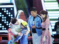 《歌声的羽翼》江苏卫视播出 孙楠携女儿上台