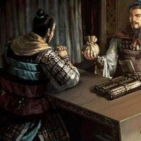 三国两个大土豪分别资助刘备和孙权 他不官运亨通 他却羞恨而死